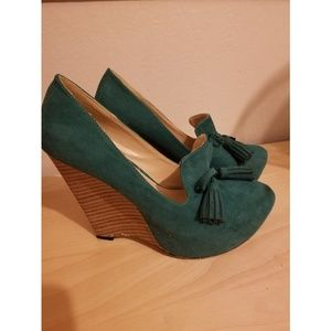 Closed toed wedges.